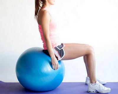 Fitbol aerobika bazovye uprazhneniia