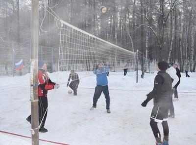 Волейбол на снегу. Как играть и правила. Экипировка и особенности
