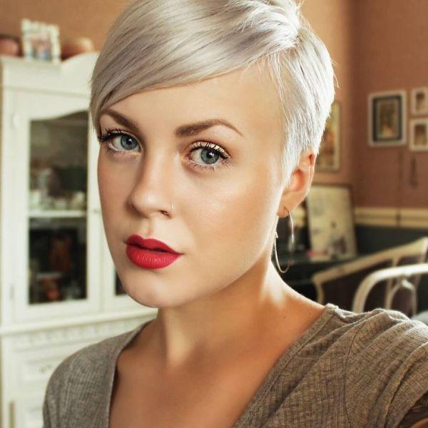 Фото женских коротких стрижек в сочетании с макияжем (30 ...