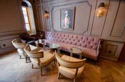 Carousel Bar 6