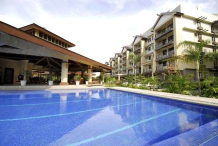 Raya Garden Condo pool in Paranaque