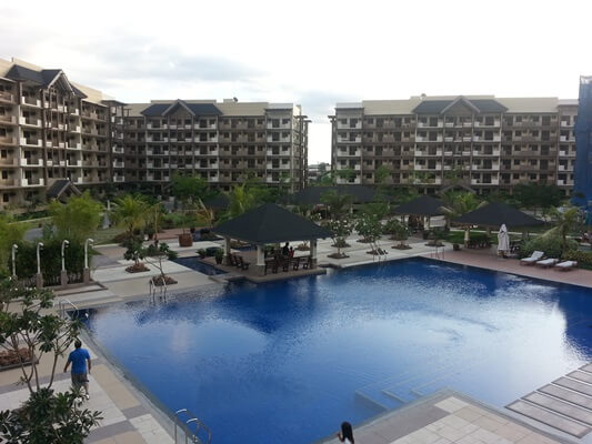 Arista Place Swimming Pool