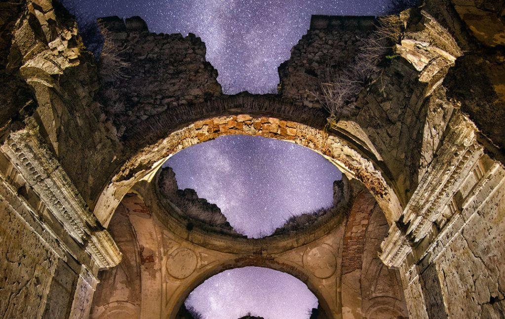 Dest Bóveda celeste - La Vía Láctea como techo de esta ermita - DMD Fotografía