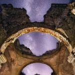 Bóveda Celeste – Techando esa ermita abandonada con la Vía Láctea