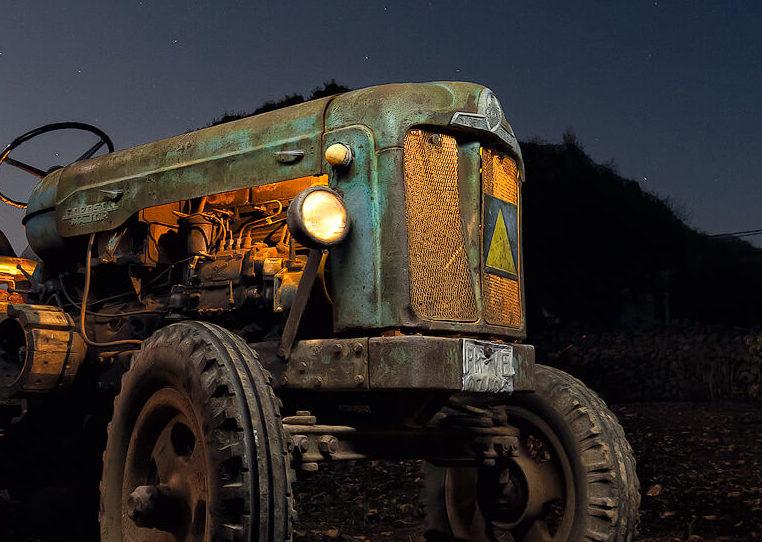 Dest EBRO Fordson Major -El abuelo en la noche - DMD Fotografía