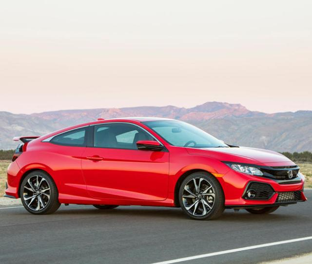 2018 Honda Civic Si Coupe Front Three Quarter Right Side View