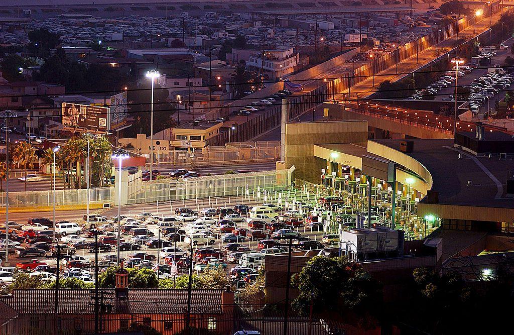La garita de San Ysidro, en Tijuana, concentra la mayor cantidad de cruces en un solo punto en la frontera entre Estados Unidos y México, aunque los puertos de entrada en Texas reciben más tráfico de automóviles en un año.
