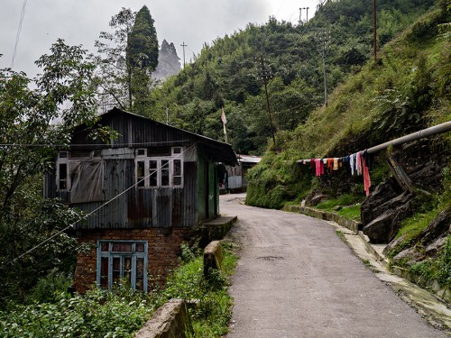 Tenzing Norgay Road between Darjeeling and Ghum (Ghoom)