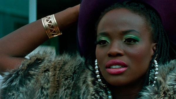 Illegal Woman Summary & Analysis 2020 Netflix Film