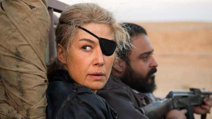 A Private War Summary & Ending, Explained 2018 Film Rosamund Pike