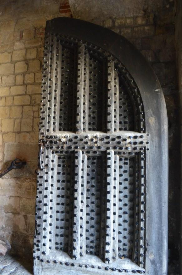 deal castle single door