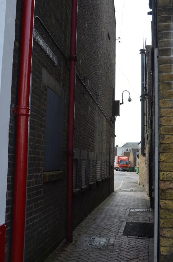 deal odd fellows alley2