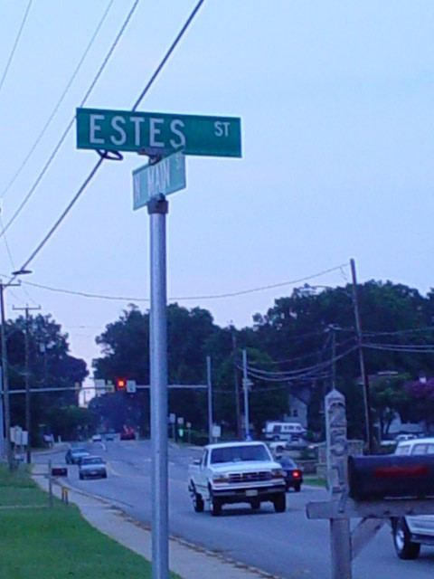 estes street sign