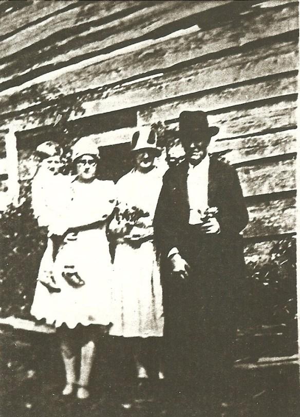 Vannoy homestead picnic visit