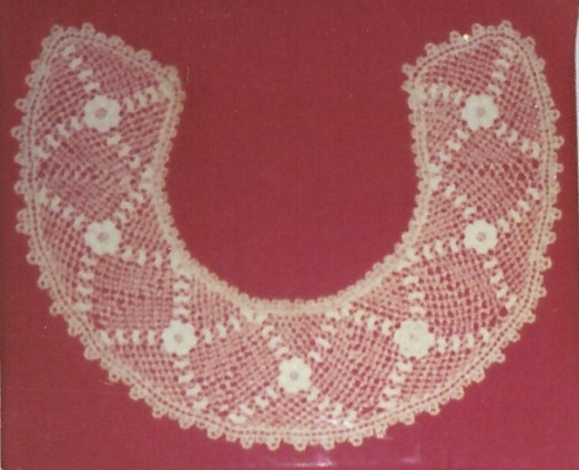 Kirsch lace collar2