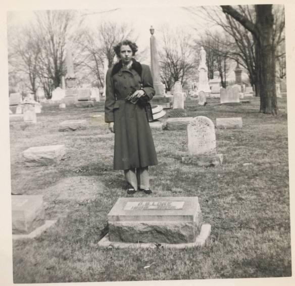 Mom Rushville 1940s