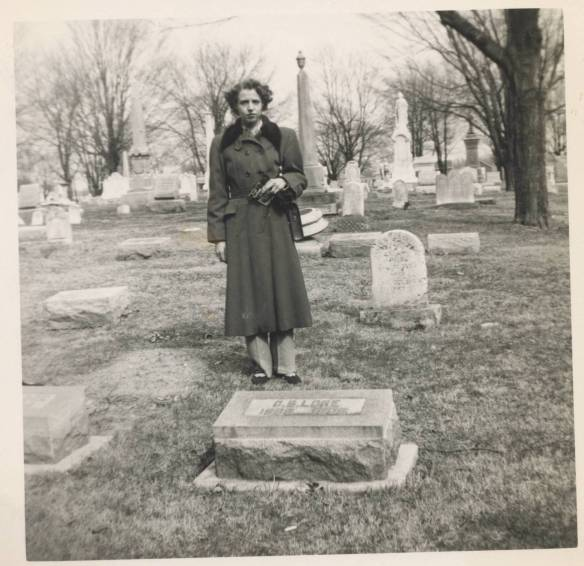 Mom Rushville 1940s