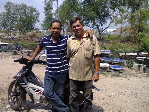 nhan-with-friend