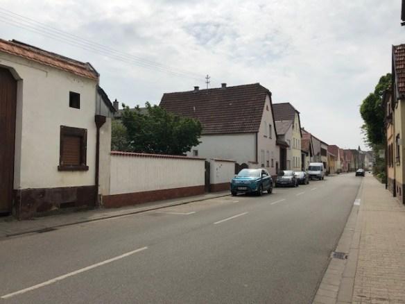 Fussgoenheim Kirsch wall.jpg
