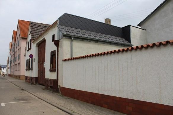 Fussgoenheim Koehler wall 3.jpg