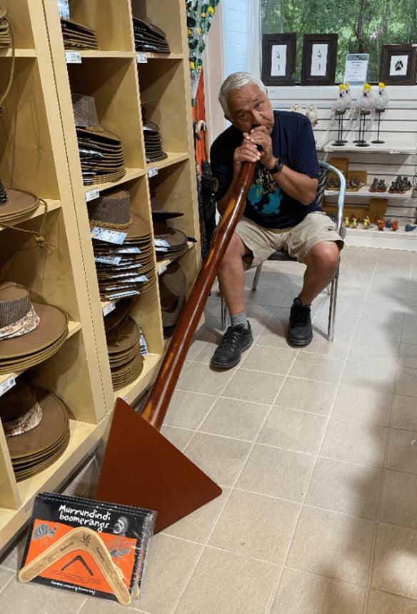 Australia Melbourne Healesville Didgeridoo.png