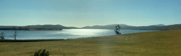 Tasmania coast bay 2.png