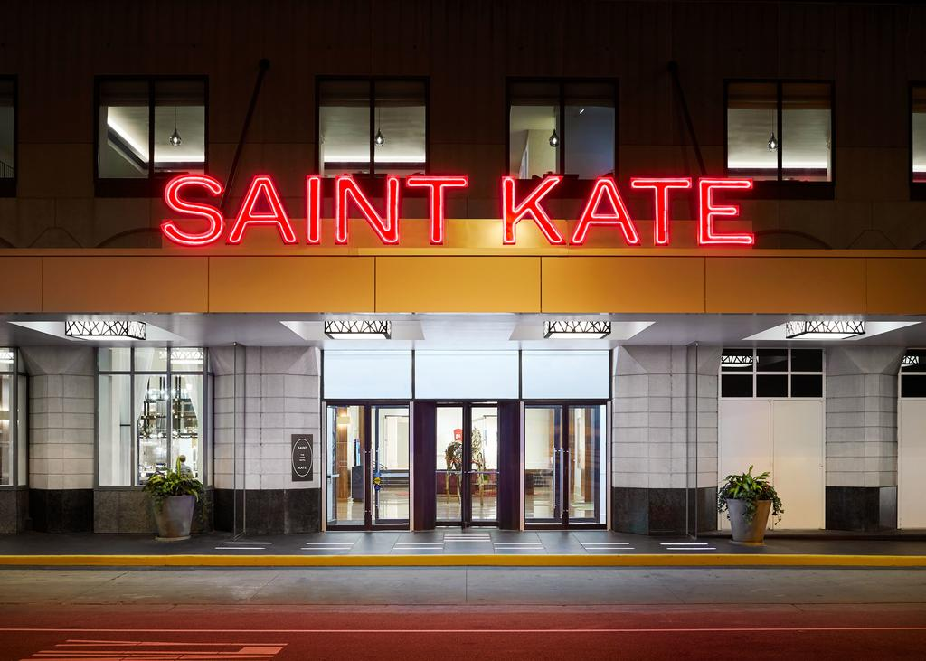 Saint Kate The Arts Hotel Milwaukee