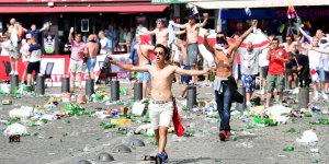 Euro-2016-nouveaux-incidents-avec-des-hooligans-au-Vieux-Port-de-Marseille