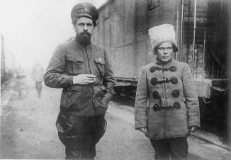 Nestor-Makhno-communiste-libertaire-dorigine-ukrainienne_0_729_505