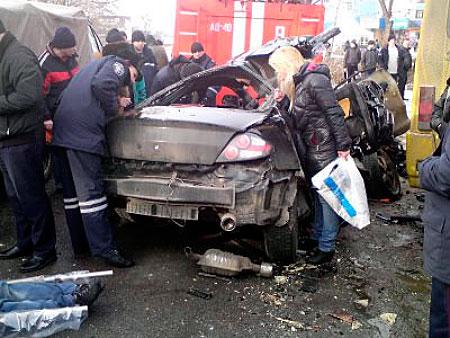 Авария в Днепродзержинске 1 февраля 2012: ужасное ДТП с ...