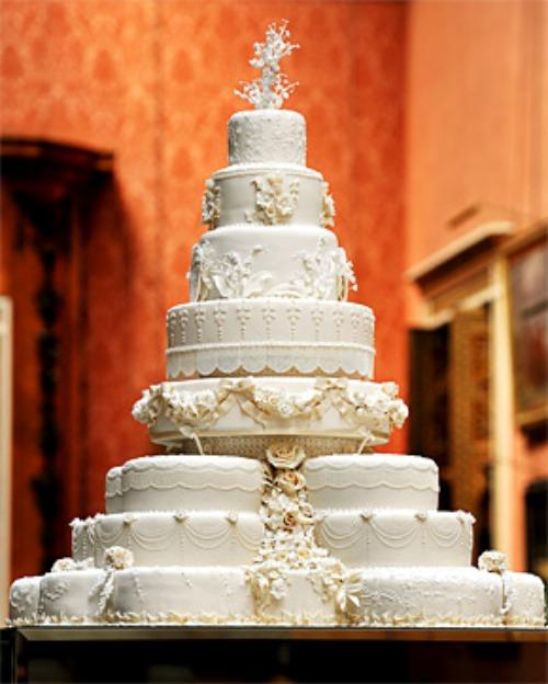 Kim Kardashian s Wedding Cake Costs How Much     Woman Getting Married I
