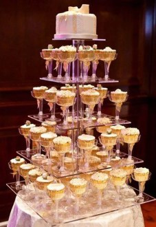 The 19 Best Wedding Cake Alternatives Every Bride Should Consider Cupcake In a Cup