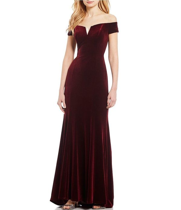 Vince Camuto Sweetheart Off The Shoulder Velvet Gown
