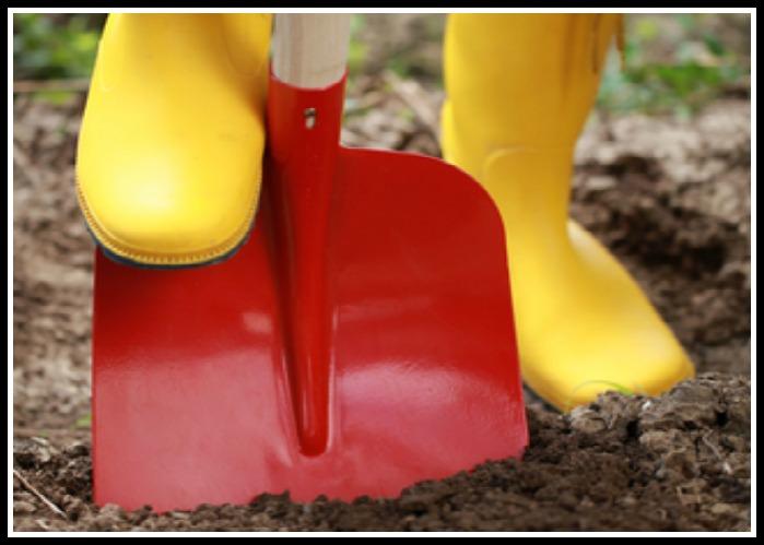 Woman Digging 1