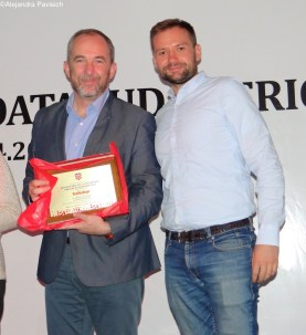 Boris Pogacnik (left) and Domagoj Rozic from Croatian company Infobip receives recognition award