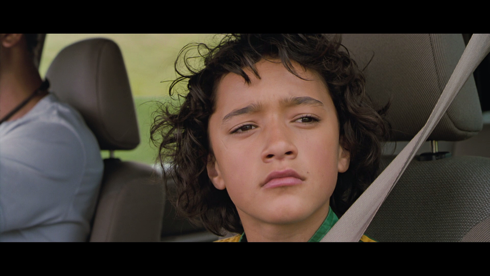 film review whale rider The stoic mysticism of niki caro's cool-handed charmer ''whale rider'' -- in which the young pai must overcome resistance as she tries to assume her destiny as the leader of a tribe on the new .