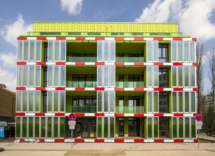 Preview_BIQ_Opening_Credits-IBA-Hamburg-GmbH-Johannes-Arlt_001
