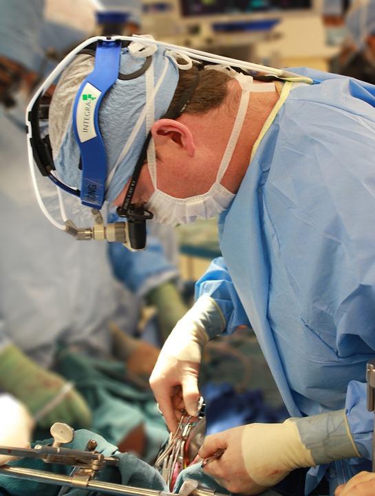 surgeon-1049535_960_720