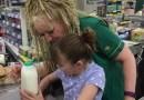 Kasjerka pomogła matce autystycznej dziewczynki