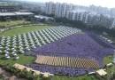 Szef rozdał pracownikom 1 200 samochodów i 400 mieszkań, z okazji święta światła