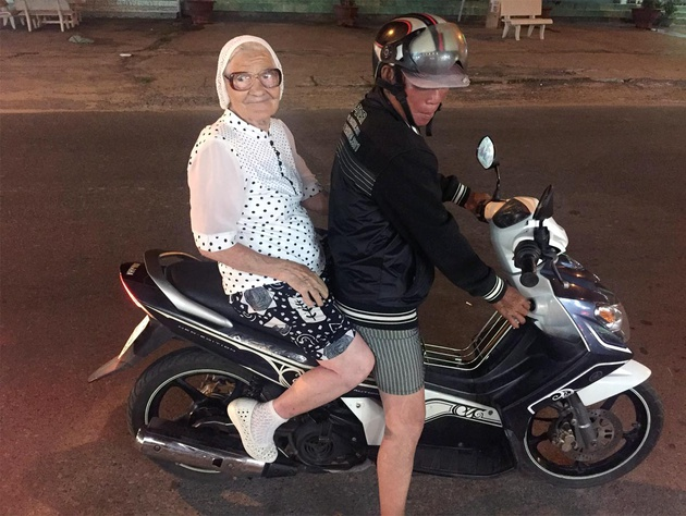 baba_lena_recorriendo_vietnam_en_motocicleta_2861_630x