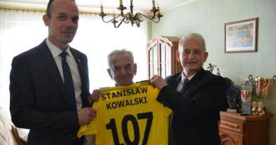 """107 urodziny najstarszego polskiego lekkoatlety. """"Czuje się świetnie, unika stresów"""""""