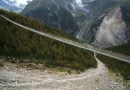 Najdłuższy na świecie most wiszący dostępny dla turystów – to jak spacer w chmurach