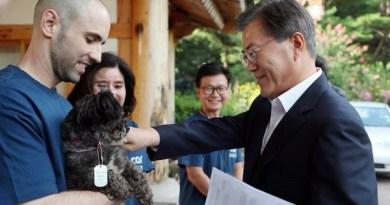 Prezydent Korei Południowej adoptował psa przeznaczonego na ubój