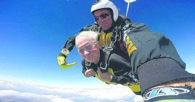 Seniorka z Chrzanowa skoczyła z trzech tysięcy metrów