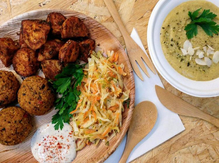W Polsce Otwarto Pierwsza W Europie Weganska Kuchnie Spoleczna