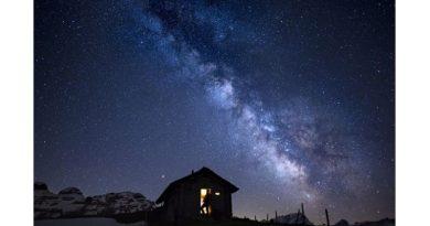 W dolinie Ormont w Szwajcarii udało się uchwycić kwintesencję piękna naszej galaktyki