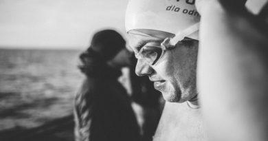 Historyczny wyczyn Polaka na Antarktydzie. Przepłynął kilometr w wodzie, której temperatura wynosiła minus jeden stopień Celsjusza!