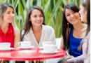 Kobiety powinny spotykać się z przyjaciółkami przynajmniej dwa razy w tygodniu. Dla zdrowia.