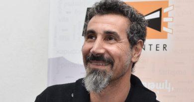 """Serj Tankianem z zespołu System of a Down zaśpiewał utwór z """"Gry o Tron"""""""
